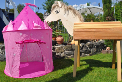 GALOPPI®-DAS Gartenpferd Spiel- und Gartenpferd bei der Prinzessin